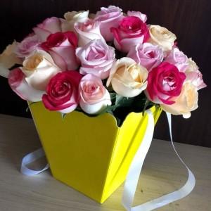 Buquê com 36 rosas na sacola
