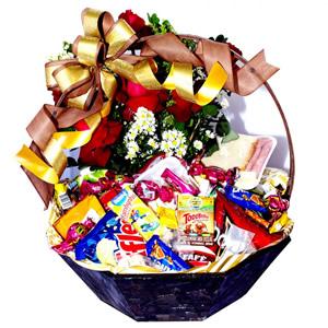 Cesta Especial  super luxo com Flores