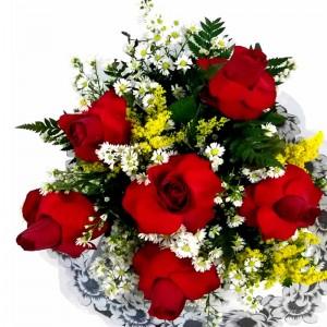 Buquê de seis rosas nacional