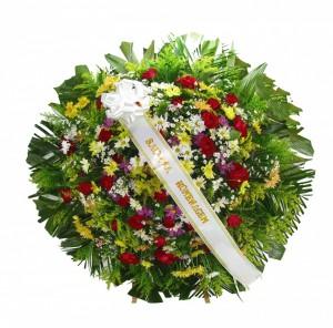 Coroa de Flores do Campo e rosas